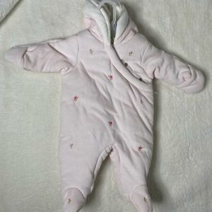 Macy's Baby girl pink snowsuit size 3/6 mo…